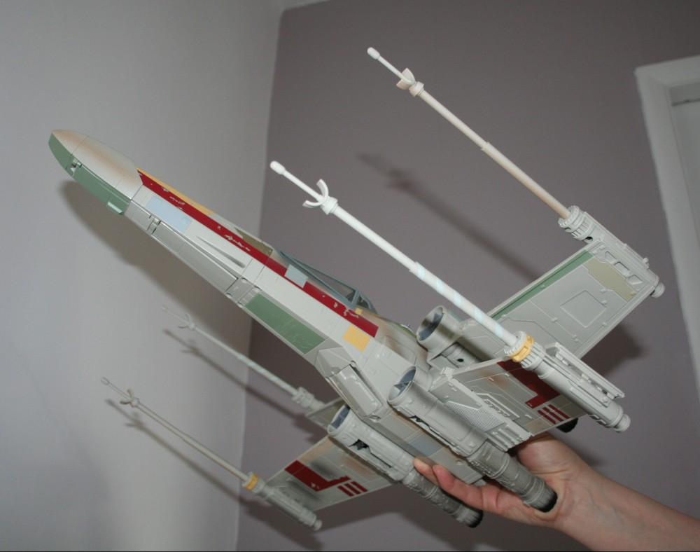 Star Wars Day - X-Wing Fighter Photos (4/6)